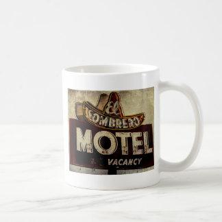 Muestra del motel del sombrero del EL del vintage Taza Básica Blanca