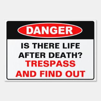Muestra del peligro carteles
