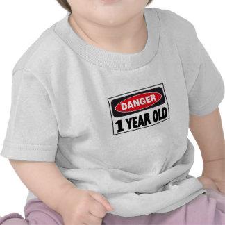 Muestra del peligro de 1 año camiseta