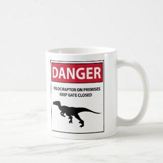 Muestra del peligro (rapaces) taza básica blanca