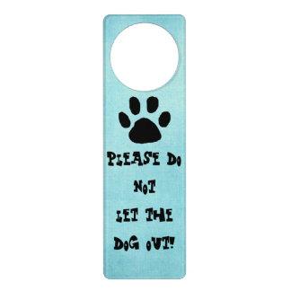 Muestra del perro para la puerta colgante para puerta