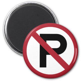 Muestra del símbolo del estacionamiento prohibido imán redondo 5 cm