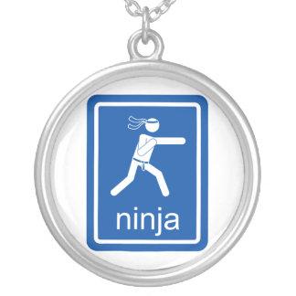 muestra del universal del ninja colgante redondo