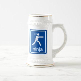 muestra del universal del ninja jarra de cerveza