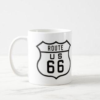 Muestra del vintage de la ruta 66 taza básica blanca