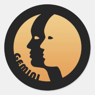 Muestra del zodiaco de los géminis pegatina redonda