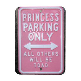 Muestra divertida de princesa Parking Only Iman Rectangular