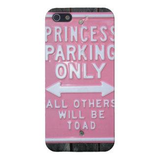 Muestra divertida de princesa Parking Only iPhone 5 Carcasas