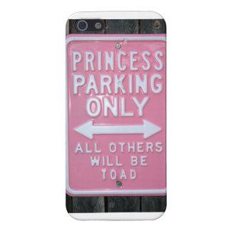 Muestra divertida de princesa Parking Only iPhone 5 Fundas