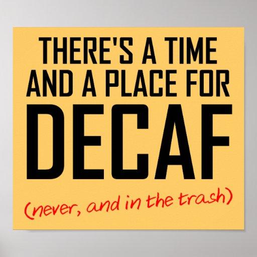 Muestra divertida del poster del enemigo del café