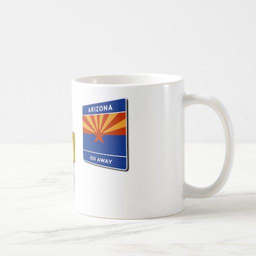 Muestra ilegal del paso de frontera tazas de café
