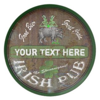 Muestra irlandesa personalizada del pub plato para fiesta