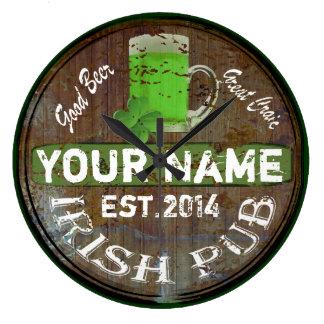 Muestra irlandesa personalizada del pub reloj de pared