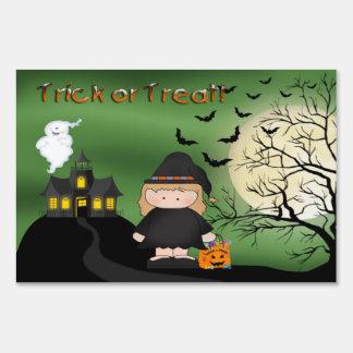 Muestra linda de la yarda de la bruja de Halloween Letrero