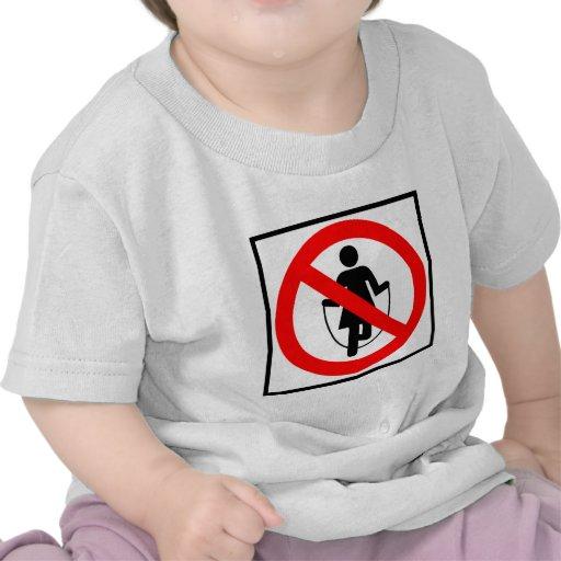 Muestra prohibida comba de la carretera camiseta