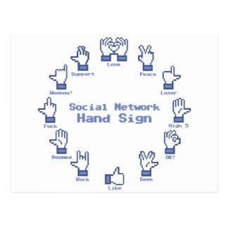 Muestra social de la mano de la red tarjeta postal