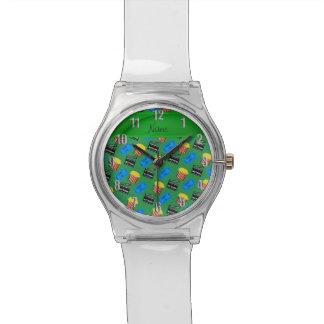 Muestra verde conocida de encargo de la acción del relojes de pulsera