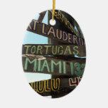 Muestras de Key West Adorno Navideño Ovalado De Cerámica