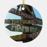 Muestras de Key West Adorno Navideño Redondo De Cerámica