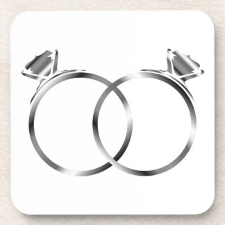 Muestras de los anillos de compromiso del posavasos