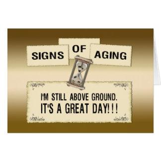 Muestras del envejecimiento - gran día felicitaciones