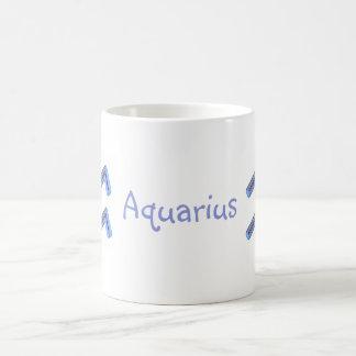 Muestras del zodiaco, acuario taza clásica