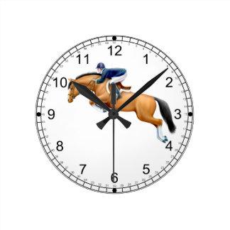 Muestre a caballo del puente el reloj de pared