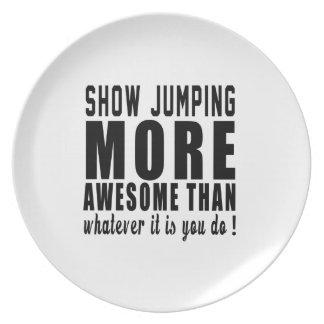 Muestre que saltando más impresionante que lo que plato para fiesta