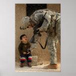 Muéstreme donde daña el soldado y al niño militare impresiones