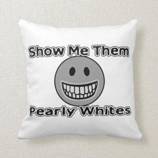 Muéstremelos los blancos nacarados almohada
