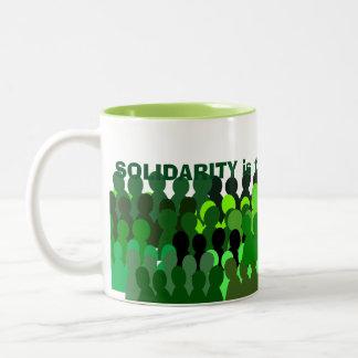 Mug* de la solidaridad taza de dos tonos
