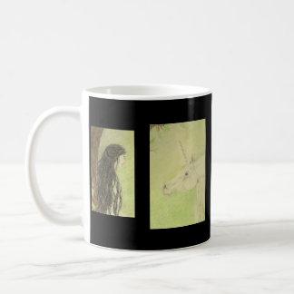 Mug el unicornio y la joven mujer taza