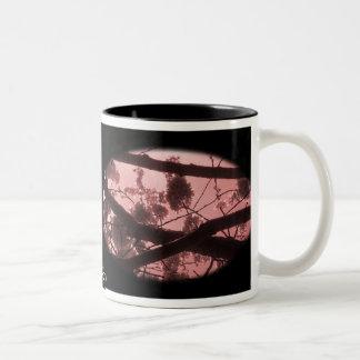 Mug: Pink Tunnel