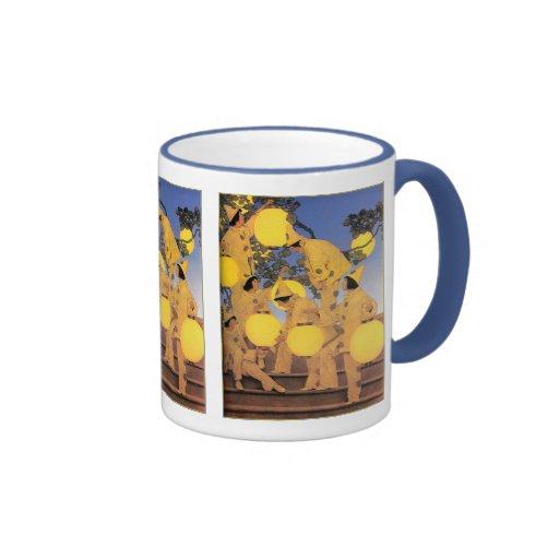 Mug: The Lantern Bearers - Maxfield Parrish