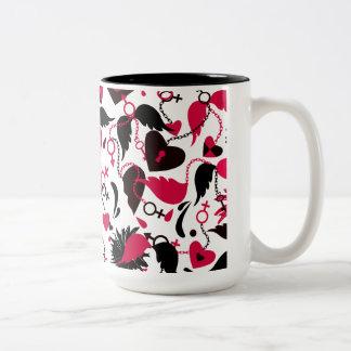 Mug with broken hearts design