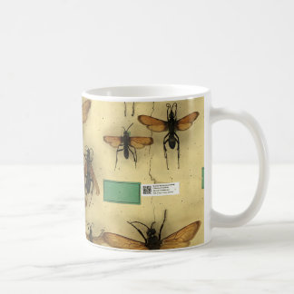 Mug with giant spider huntings wasps