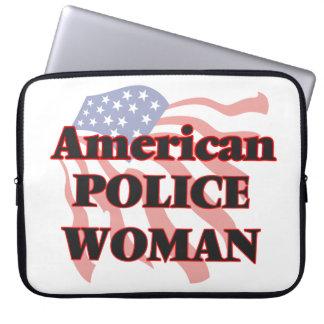Mujer americana de la policía manga portátil