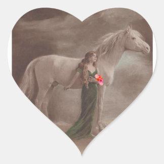 Mujer antigua del caballo del claro de luna del pegatina en forma de corazón