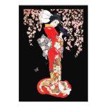Mujer asiática con noche de la flor de cerezo invitaciones personales