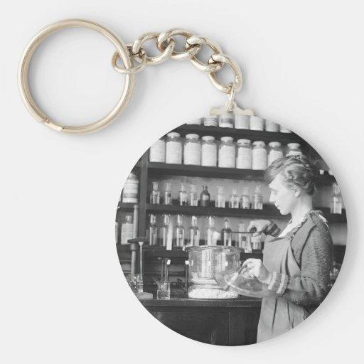 Mujer Chemist, 1919 Llaveros Personalizados