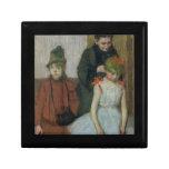 Mujer con dos niñas (en colores pastel) joyero cuadrado pequeño