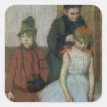Mujer con dos niñas (en colores pastel) pegatina cuadrada