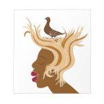 Mujer con el pájaro bloc