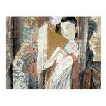 Mujer con la horquilla floral postales