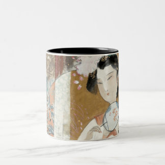 Mujer con la horquilla floral taza