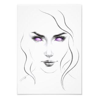 Mujer con la línea mínima impresión de los ojos fotografía