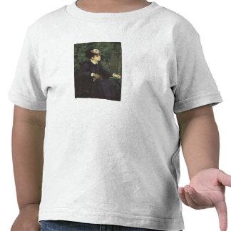 Mujer con la pluma de la gaviota por Renoir Camiseta