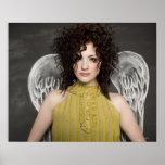 mujer con las alas 2 del ángel póster