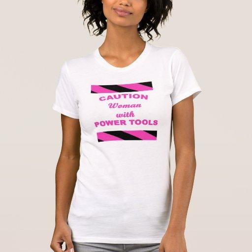 Mujer con las herramientas eléctricas camisetas