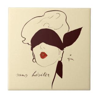 Mujer con los ojos vendados del poster francés del azulejo cuadrado pequeño